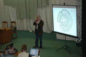 Г.Б.Зданович рассказывает о городе Аркаим